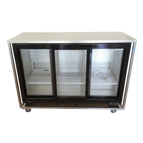 Koelbuffet 3 deurs glas ( schuifmodel) met RVS bovenblad ( mag niet op aanhanger vervoerd worden)