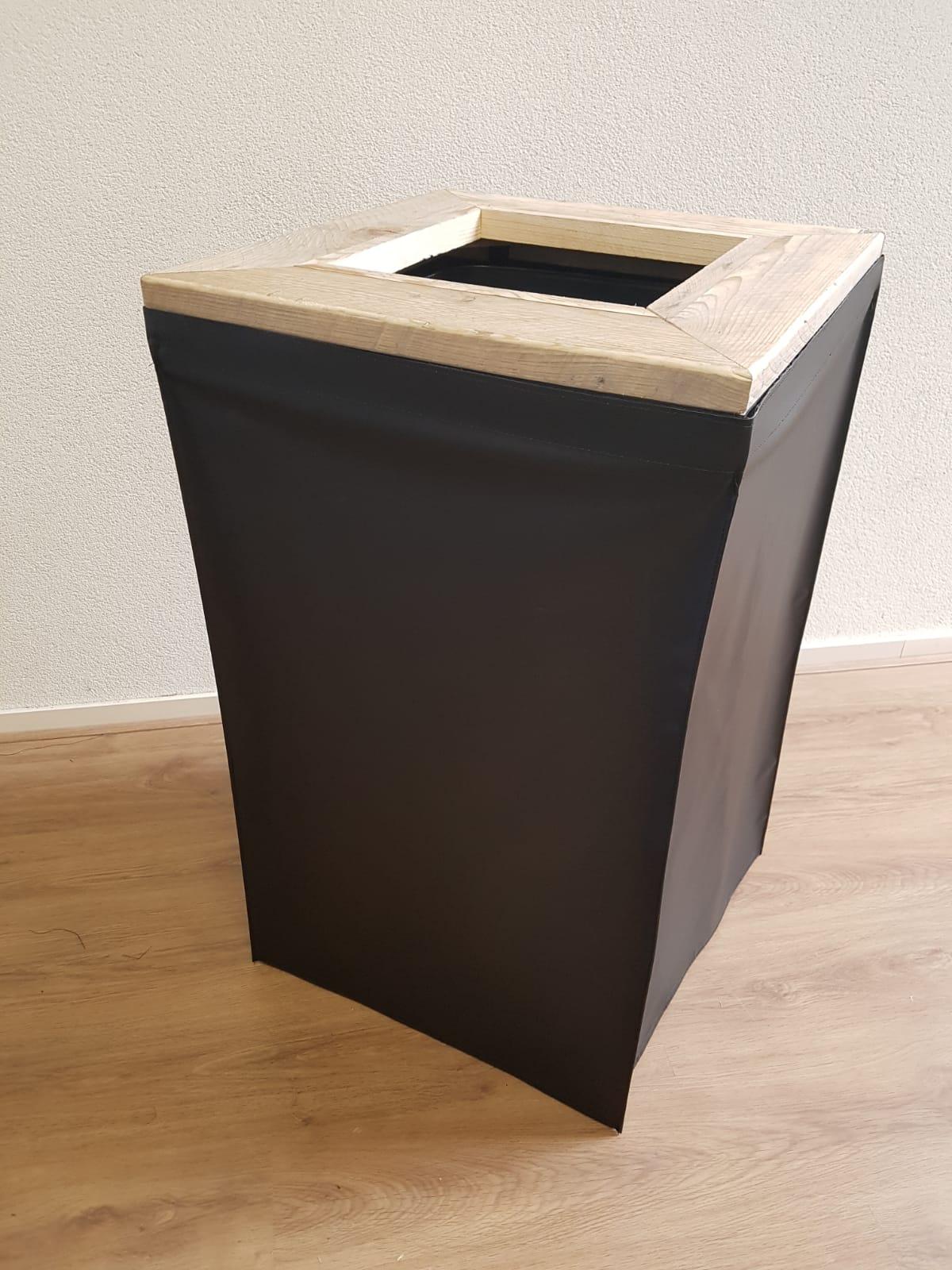 Afvalbak Kliko met steigerhoutrand en doek zwart